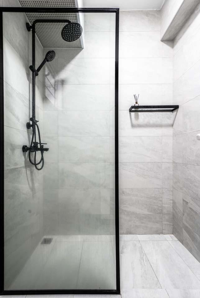 Bukit Batok masterbathroom1